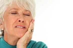 frau zahnschmerz